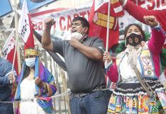 Elecciones 2021: Simpatizantes de Perú Libre hacen plantón y se encadenan frente al JNE | FOTOS