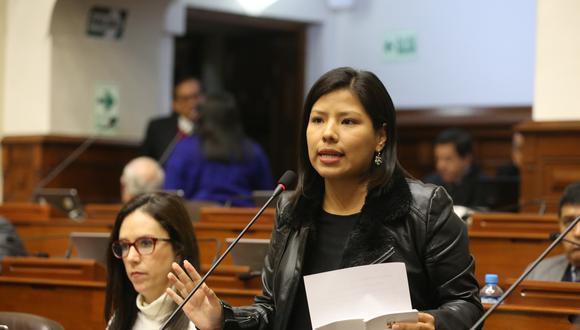 """El congresista Indira Huilca señaló que las personas con acusaciones o sentencias no pueden argumentar """"persecución política"""". (Foto: Congreso)"""