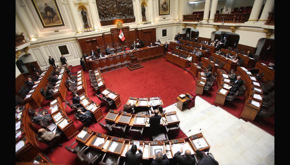 Congreso no puede debatir compra de medios sin proyecto de por medio, afirman legisladores