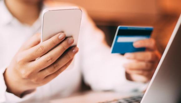 LA FUERZA DEL M-COMMERCE: Los Smartphone son populares en el país, especialmente, entre los jóvenes. Uno de los usos que se le da es realizar compras online. El estudio revela que el 72% de la población cuenta con uno y accede a Internet por esta.