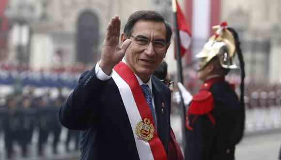 El presidente Martín Vizcarra dio este anuncio de pedido de referéndum en medio de reclamos y aplausos. (Foto: GEC)