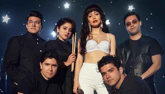 """Ricky Vela fue el tecladista de 'Selena y Los Dinos' hasta la muerte de la reina del """"Tex-Mex"""" (Foto: Netflix)"""