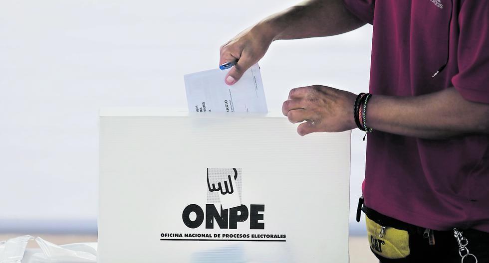 Voto a voto. Partidos políticos buscan nulidad de actas electorales por supuestos votos inválidos. (Foto: GEC)
