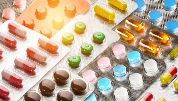 Una buena recomendación es llevar una nota de tu médico con la receta de cualquier sustancia controlada o medicamentos inyectables. (Foto: Shutterstock)