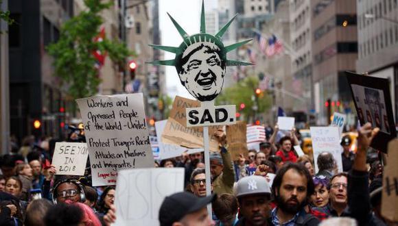 Cientos protestan en Nueva York ante regreso de Donald Trump