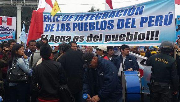 Unas 500 personas protestan contra privatización de Sedapal