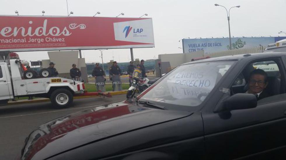 Callao: taxistas que quieren ingresar a aeropuerto causan caos - 1