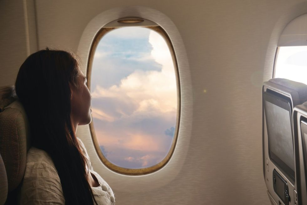 NGS76VL5HNEOVAAXSSFKVXHNEM - Air travel: beauty tips to take care of your skin on long flights | BEAUTY | SKIN Beauty