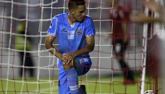 Binacional cayó por 4-1 en su debut internacional en casa de Independiente por la Copa Sudamericana. | Foto: AFP