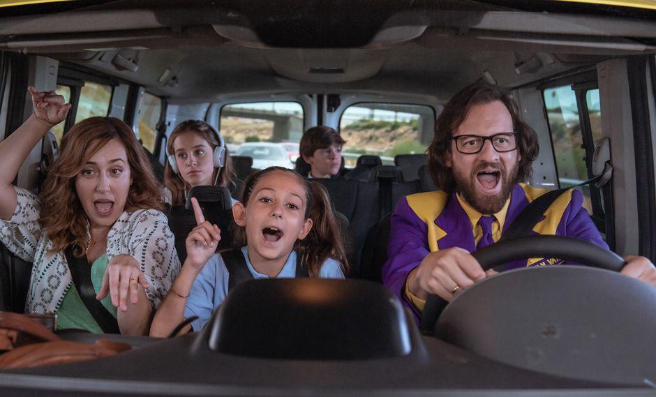 Mariana Treviño, Sara Jiménez, María Blanco, Rodrigo Simón y Edu Soto interpretan a los integrantes de la familia Rodríguez en esta comedia familiar.