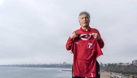 EL ÚLTIMO CAPITÁN. Rubén 'Panadero' Díaz asumió la capitanía de la selección peruana a inicios de los ochenta, luego de Héctor Chumpitaz dejara la blanquirroja. Lideró a Perú en el Mundial de España 82 y le anotó un gol a Italia.  (Foto: Omar Lucas)
