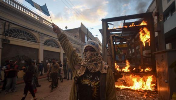 Las protestas en Guatemala buscan la renuncia del presidente Alejandro Giammattei. (Photo by Orlando  ESTRADA / AFP)