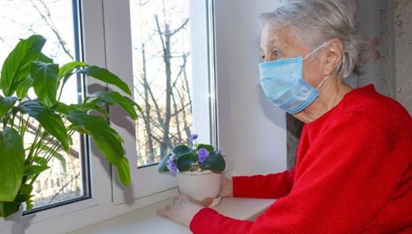 Los adultos mayores son especialmente vulnerables frente al COVID-19. (Pixabay)