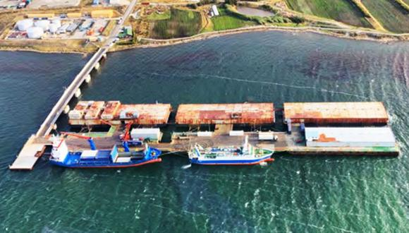 El actual puerto principal de las islas Malvinas/Falklands, construido en 1984, que será reemplazado en 2024. (Foto: FIG)