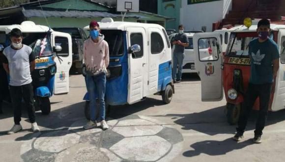 Se incautó un total de tres mototaxis, dos de ellas eran conducidas por los delincuentes y una fue abandonada en la vía pública (Foto: PNP)