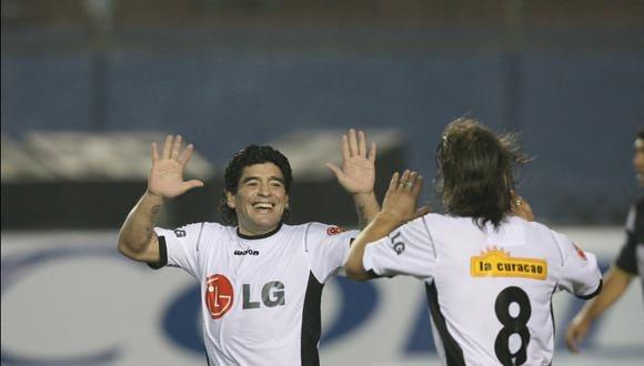 Diego Maradona pisó una cancha limeña por última vez en 2006. (Foto: Enrique Cúneo / Archivo El Comercio)