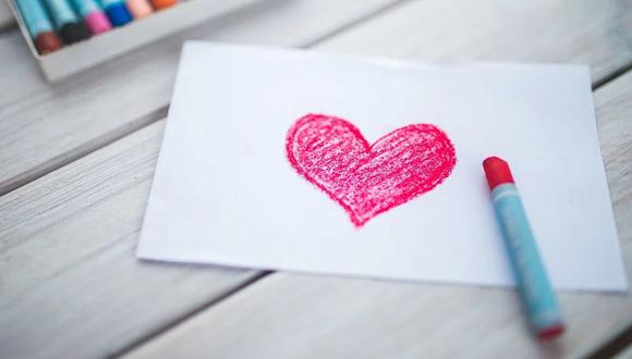 Un veterano de guerra de 104 años espera que en el próximo Día de San Valentín sus amigos le regalen muchas tarjetas | Foto: Pixabay / kaboompics (Referencial)