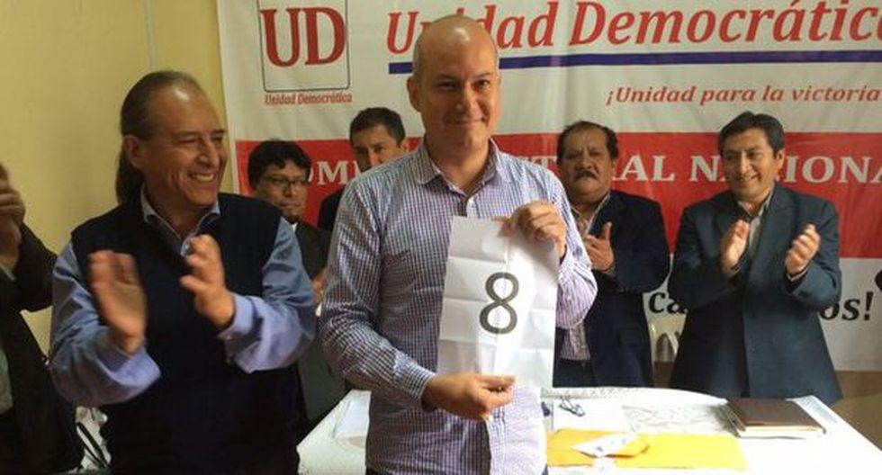 Sergio Tejada inscribió precandidatura en alianza de izquierda