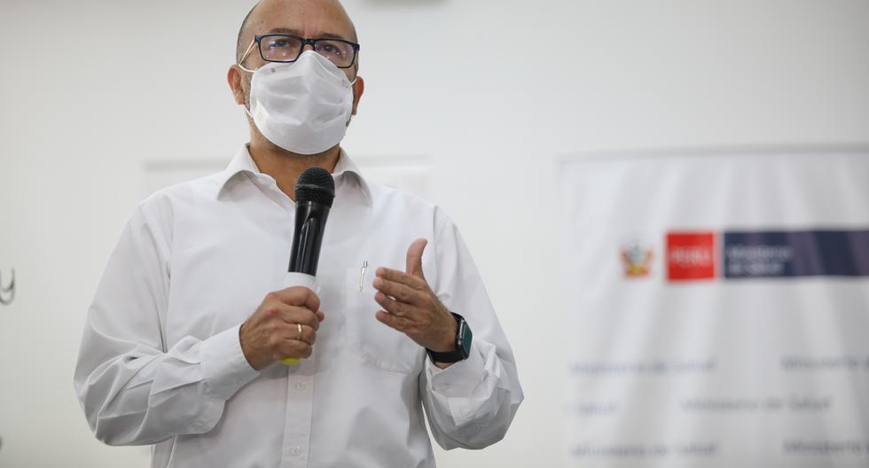Mientras era ministro de Salud, Víctor Zamora llegó a afirmar de que no había tiempo para esperar evidencia científica sobre la eficacia de la hidroxcloroquina y la ivermectina para el COVID-19. Hoy la exige para pedir el retiro de los mismos medicamentos. (Foto: GEC)