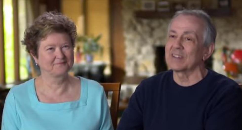 Teri y Steve, una pareja de novios de secundaria, retomó su relación varias décadas después. Esta es la historia de cómo volvieron a encontrarse. (Fotos: Today en YouTube)
