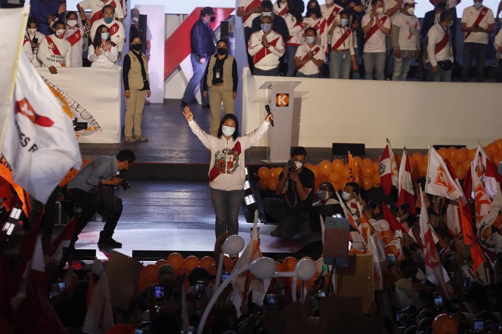 Fursa Popular presidential candidate Keiko Fujimori ended his campaign with a rally in Villa El Salvador (photo: Hugo Perez / @ photo.gec))