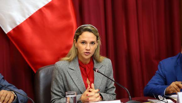 La congresista Luciana León es investigada por presunto tráfico de influencia y cohecho. (Foto: Congreso)