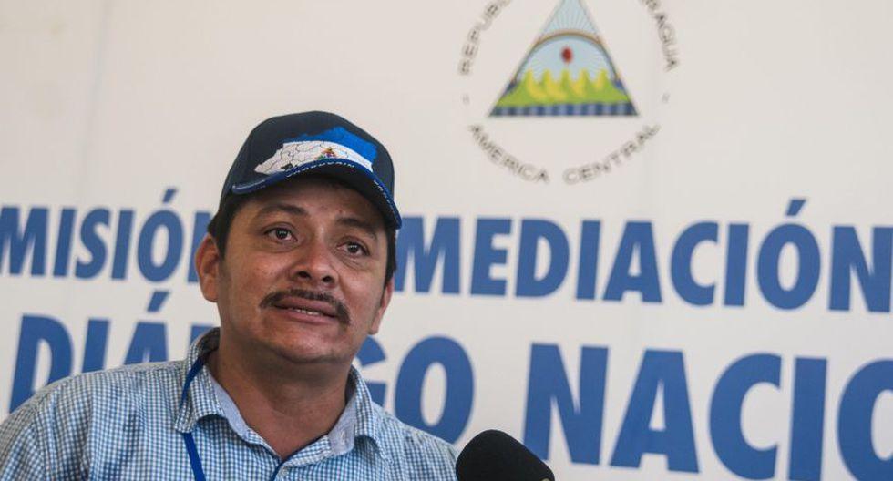 Representante de la Alianza Cívica Medardo Mairena, habla hoy, 25 de Junio de 2018, después de salir de la reunión de las distintas mesas de negociación del Dialogo Nacional en el seminario de nuestra señora de Fátima en Managua (Nicaragua). El diálogo entre el Gobierno de Daniel Ortega y una gran alianza cívica para buscar una salida a la crisis que deja al menos 218 muertos en dos meses se reanudó hoy en Nicaragua, tras una semana de suspensión y con la presencia de un equipo de la Comisión Interamericana de Derechos Humanos (CIDH). (Foto: EFE)