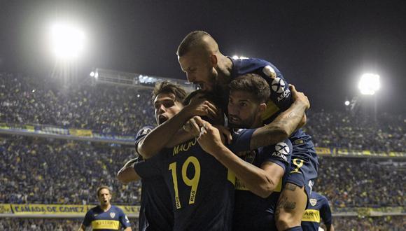 Boca Juniors derrotó a Banfield  y se afirmó en el tercer puesto del campeonato y celebró su quinta victoria consecutiva en la Superliga Argentina con goles de Ávila y Pavón. (Foto: AFP)