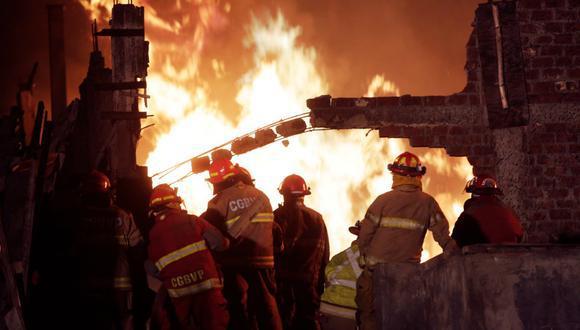 Bomberos atendieron 20 incendios en las primeras horas de celebrarse la Navidad en Lima y Callao. (Foto: César Campos)