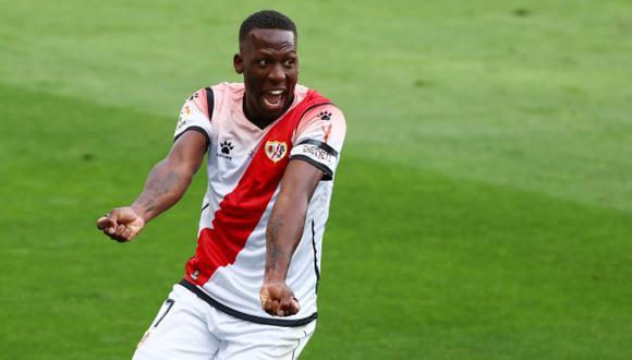 Luis Advíncula tiene contrato con Rayo Vallecano hasta junio del 2022. (Foto: Reuters)