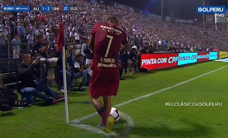 Alianza vs. Universitario: Hohberg y el momento en que sufrió una agresión con una bola de goma | VIDEO. (Foto: Captura de pantalla)