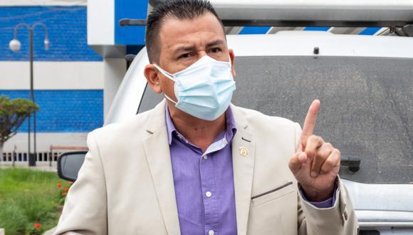 Comisión de Ética investigará caso de agravios del congresista Pérez Mimbela contra el presidente Vizcarra. (Foto: Facebook del congresista Pérez Mimbela)