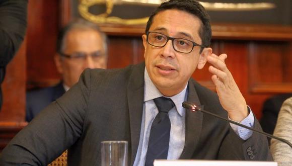 Miguel Castro renunció a Unidos por la República, que se quedó solo con cuatro miembros. El número mínimo para una bancada es cinco.(Foto: Congreso)