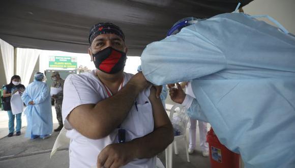 En la última etapa se tiene previsto vacunar a las personas de 18 a 59 años. (Foto: GEC)
