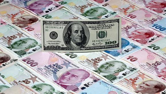 La lira turca perdió el viernes un 16% de su valor frente al dólar tras el anuncio de EE.UU de elevar los aranceles al acero y aluminio procedente de Turquía. (Foto: Reuters)
