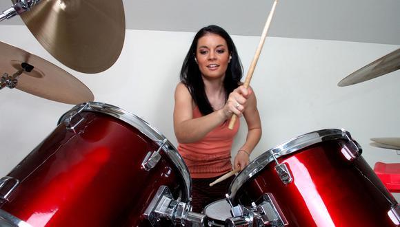 Estos son los siete beneficios de tocar batería