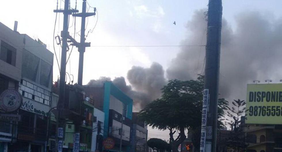 Incendio en Comas destruyó fábrica de thinner [FOTOS] - 6