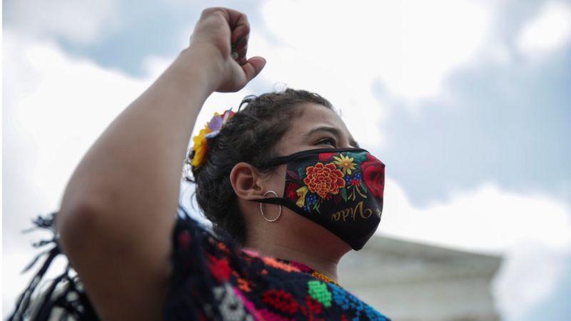 El programa DACA promovido por Mayorkas protegió contra la deportación a cientos de miles de jóvenes indocumentados. (Reuters).