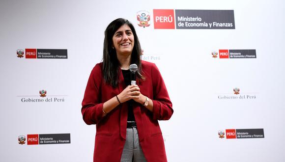 María Antonieta Alva se reunió este viernes con colaboradores y funcionarios del ministerio que tiene ahora a cargo. (Foto: MEF)