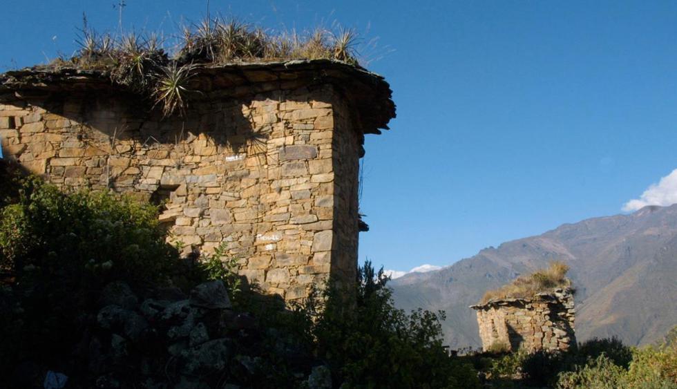 """Rupac. Conocido como el """"Machu Picchu Limeño"""", se encuentra en la provincia de Huaral. Se debe tener  mucha resistencia para poder realizar el ascenso de 3 horas. Es ideal para acampar y pasar un momento de relajo con amigos. (Foto: Richard Hirano / Archivo El Comercio)"""