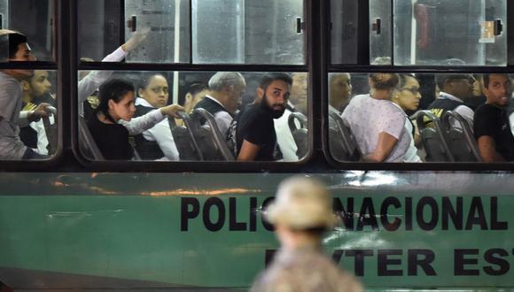 Imagen del 27 de enero de 2020, día en el que el Perú expulsó a 131 venezolanos con antecedentes penales. (Foto de Luka GONZALES / AFP).