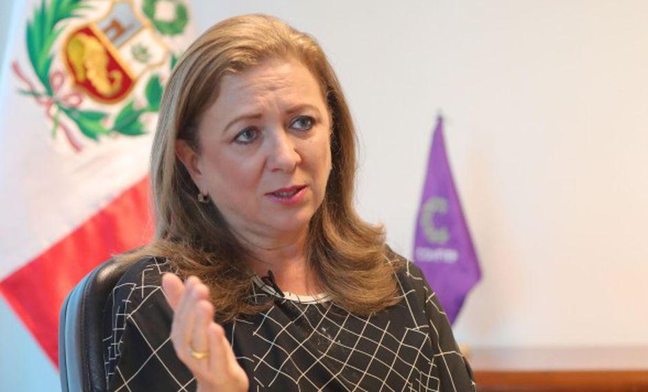 """María Isabel León, presidenta de la Confiep presentó al presidente de la república la """"Agenda País"""", una serie de medidas para mejorar el sector agua-saneamiento, entre otros."""