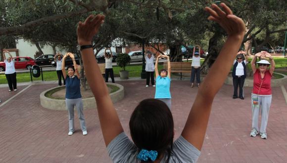 Día del Adulto Mayor: aeróbicos y deporte en la Plaza de Armas