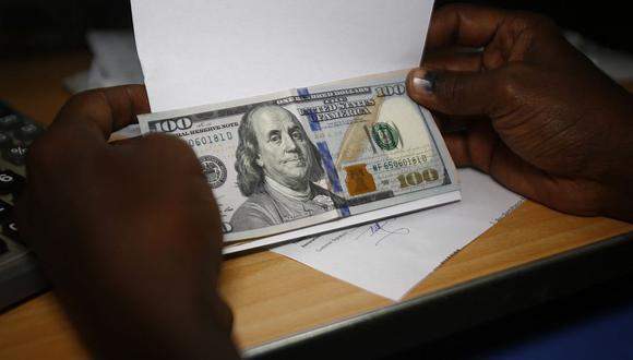 El dólar se negociaba en 1'860,103.73 bolívares soberanos en Venezuela este lunes. (Foto: AFP)