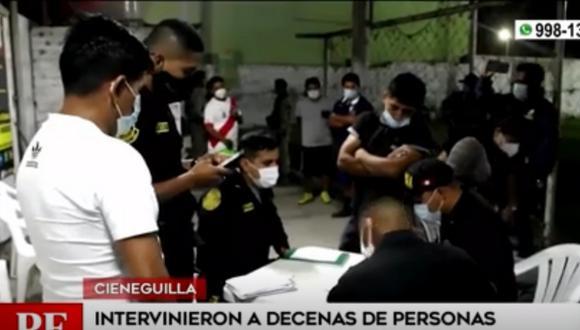 Policía intervino a decenas de personas que infringieron toque de queda y participaron en reuniones sociales   Captura de video / América TV