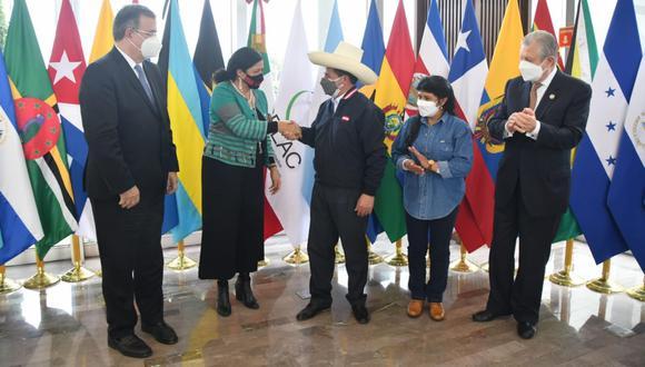 Pedro Castillo llegó esta tarde a México (Foto: Cancillería de México)