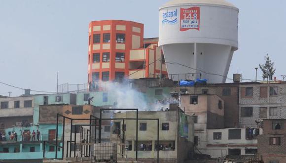 La Victoria: vecinos apagaron incendio en cerro San Cosme