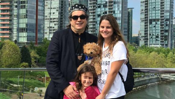 Jaime Bayly junto a su familia en Canadá. (Foto: Facebook)