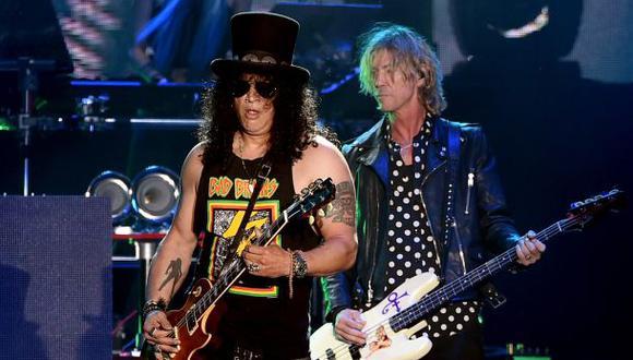 Facebook: Guns N' Roses regaló uñas firmadas a fans peruanos