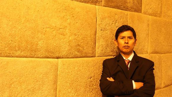 """Lurgio Gavilán, exsenderista y exmilitar, ha escrito """"Carta al teniente Shogún"""". (Foto: Raph Zapata)"""